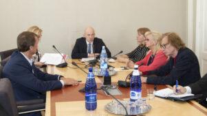 Riigikogu sotsiaalkomisjon ei nõustunud eelnõud 165 SE tühistama