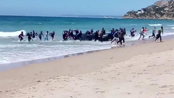 Video: sisserändajad maabusid Hispaanias Cadizi rannal