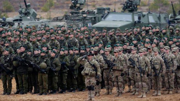 Eesti hakkab jagama elanikkonnale infovoldikuid selle kohta, kuidas käituda sõja korral