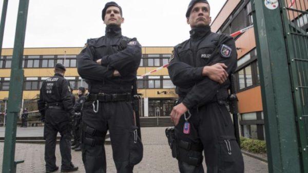 Saksamaa algkool, kus enamus õpilastest on sisserändajaid, vajab vägivallalaine tõttu turvateenistust