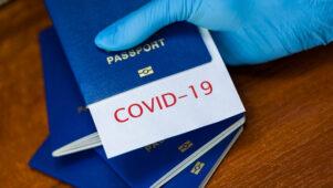 """Ülemaailmne transpordiorganisatsioon töötab välja rakendust """"Travel Pass"""", mis seoks vaktsineerimistõendi passiga"""