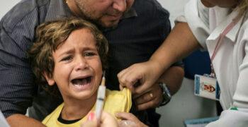 VIDEO: Lapsi hakatakse vaktsineerima eksperimentaalsete Covidi vaktsiiniga